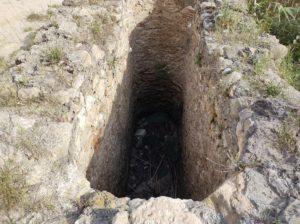 Cavitat on hi havia una de les rodes de la sínia