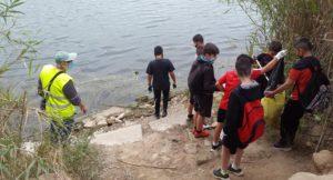 Netejant un punt de pesca